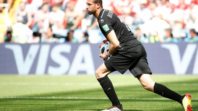 Tunísia perde mais um goleiro por lesão e entra com pedido na Fifa