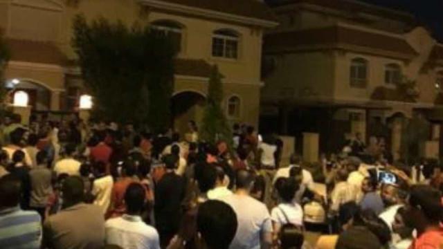 Fãs de Salah lotam casa do craque após seu endereço ser revelado