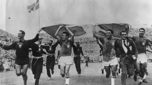 Brasil se tornava campeão mundial pela primeira vez há 60 anos