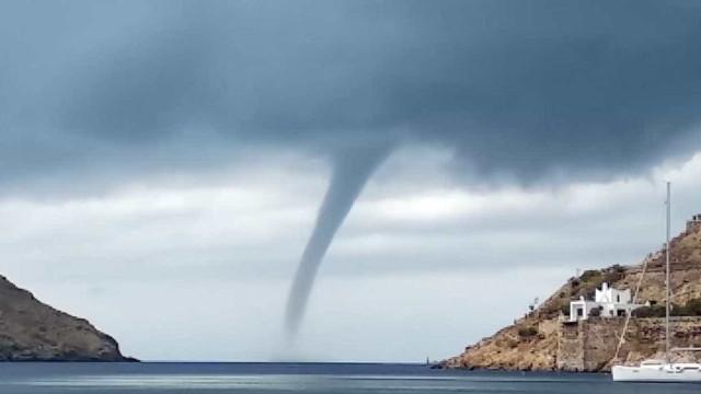 Tornado atinge sul da Itália e deixa danos e feridos