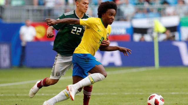 Com dribles e arrancadas, Willian faz seu 1º grande jogo na Copa