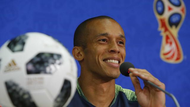 Miranda será capitão da seleção na partida contra Bélgica