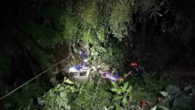 Acidente na parte externa de caverna na Tailândia deixa vários feridos