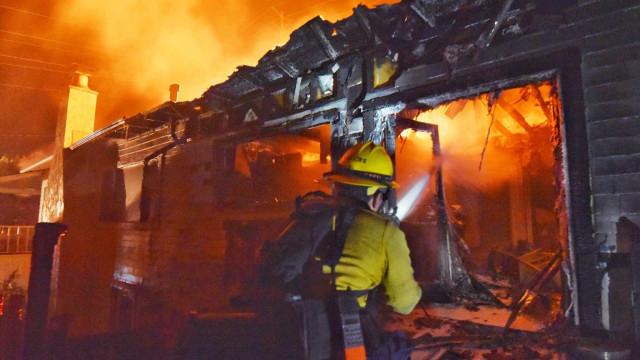 Incêndio se alastra e milhares são evacuados na Califórnia