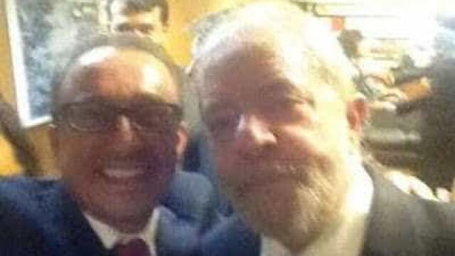 Assessor do governo na época de Lula, Favreto já fez selfie com petista