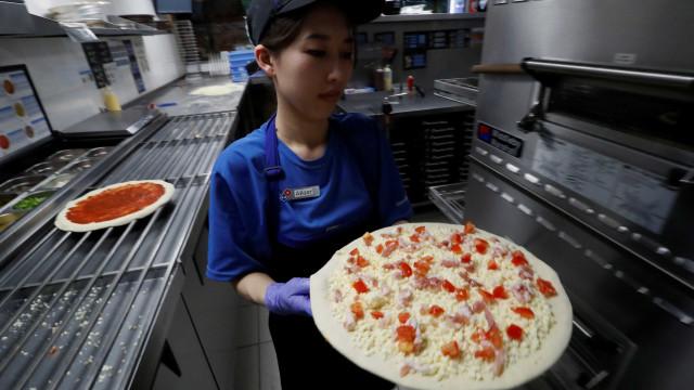 Melhor pizza do mundo leva ameixa, tartufo e embutido