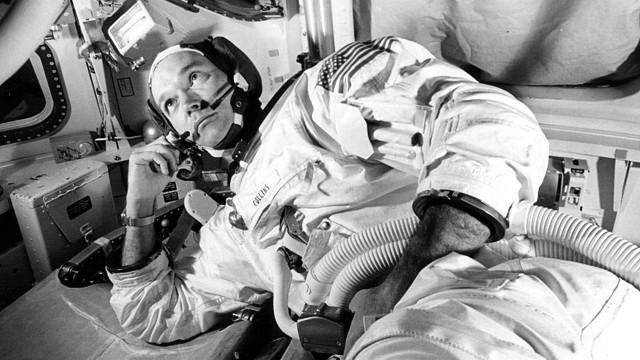 Morre Michael Collins, astronauta da Apollo 11, aos 90 anos