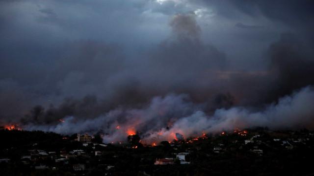 Brasileira relata momentos de desespero em incêndios na Grécia