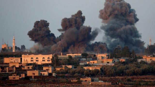 Atentados do Estado Islâmico matam mais de 200 na Síria