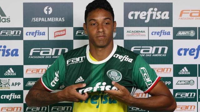 Palmeiras acerta compra de Antônio Carlos; contrato vai até 2023
