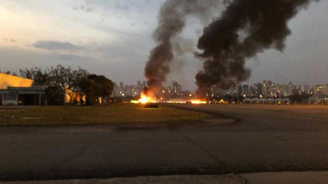 Piloto morre e seis ficam feridos em queda de avião em SP; vídeo