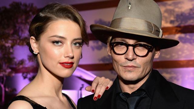 Johnny Depp revela que Amber Heard bebia 2 garrafas de vinho à noite