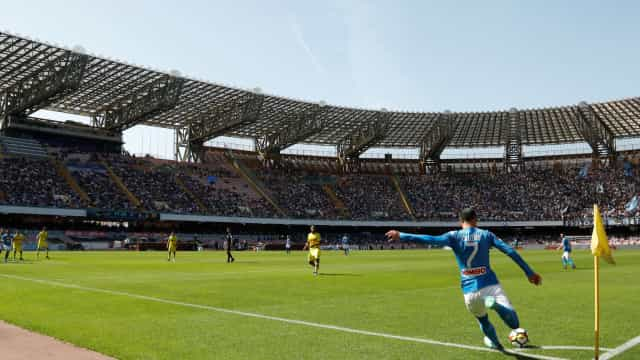 Oficial: Estádio do Napoli passa a se chamar Diego Armando Maradona