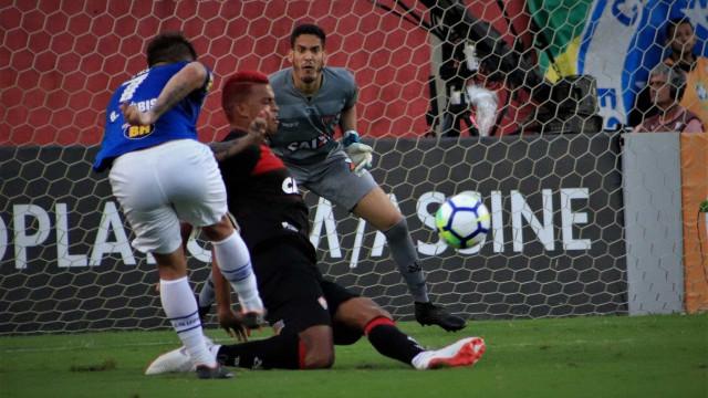 Cruzeiro protesta contra arbitragem e diz ter sido prejudicado