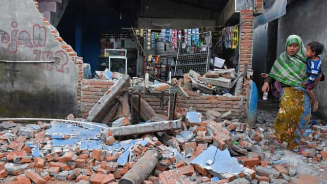 'Ia ser pisoteada', diz brasileira após terremoto na Indonésia