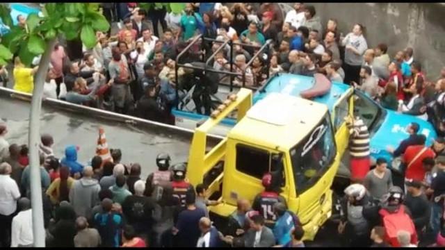 Motorista que atropelou dez no Rio estava proibido de dirigir