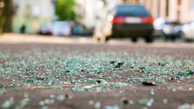 Motorista que atropelou manifestantes em Niterói presta depoimento
