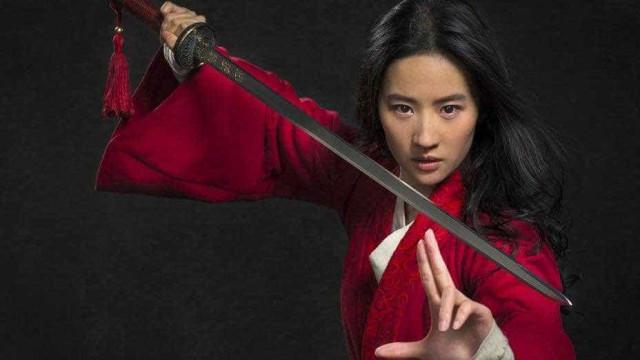 Primeira imagem da atriz Liu Yifei como a heroína Mulan é divulgada