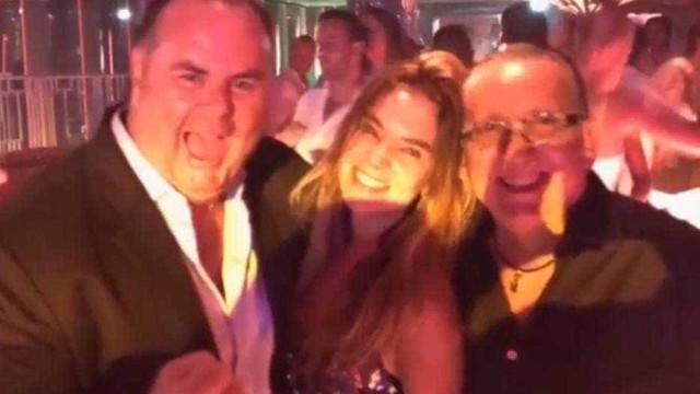 Galvão Bueno curte férias na França: 'St.Tropez enlouqueceu'; vídeo