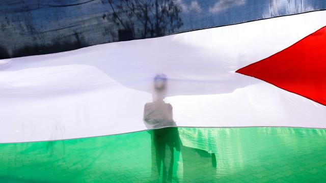 Ministro palestino é preso por atividades políticas em Jerusalém