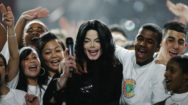 Cabeleireiro de Michael Jackson nas redes sociais: 'Ele está voltando'