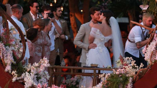 Fotos: Klebber Toledo e Camila Queiroz se casam em Jericoacoara