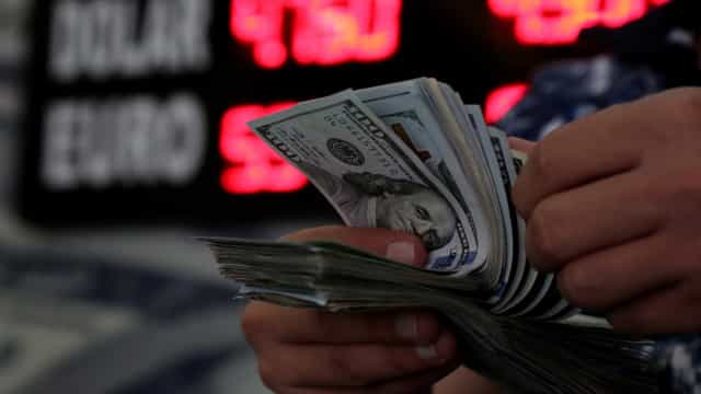 Após acordo sobre Nafta, dólar recua para R$ 4,019