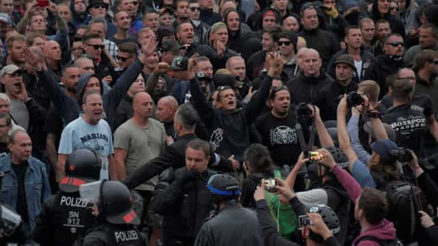 Mais de 20 ficam feridos em ato neonazista na Alemanha
