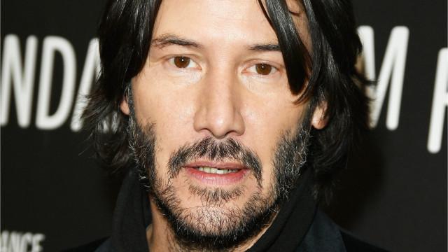 Keanu Reeves acerta em cheio como o paizão de mais um 'Bill & Ted'