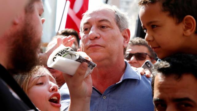 Compreendo 'a dor e o momento difícil' do PT, diz Ciro em Curitiba