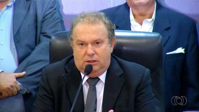 Governador do Tocantins é alvo de operações da PF e será afastado do cargo pelo STJ