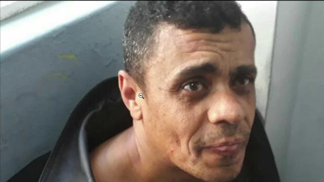 Esfaqueador de Bolsonaro é transferido para 'local adequado'