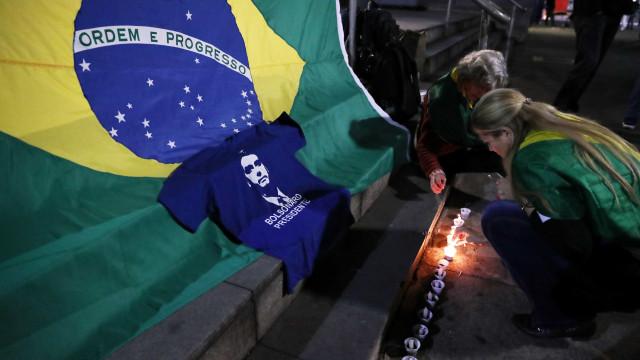 Estratégia de Bolsonaro põe Estado laico em risco, diz pesquisadora