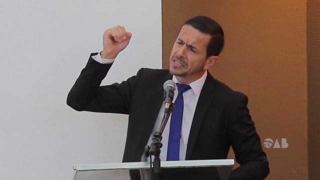 Advogado de Adélio desmente que foi pago por partidos: 'É filantropia'
