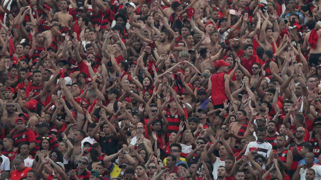 Após homenagem, jogadores do Fla dedicam vitória a Juan: 'Grande ídolo'