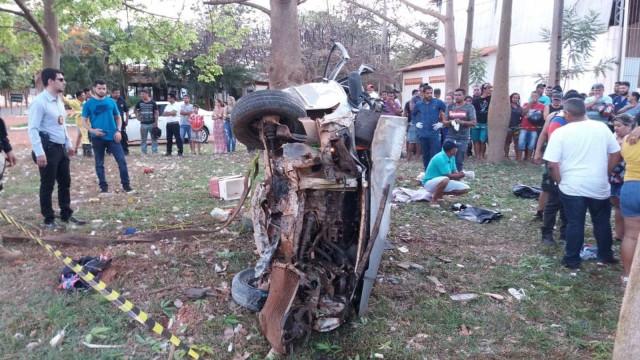 Acidente com carro superlotado deixa cinco mortos na BR-010