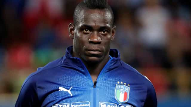 Balotelli critica torcedores da Lazio por racismo: 'Tenham vergonha'