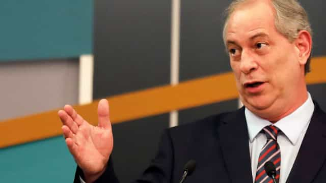 Ciro cobra reação por Bolsonaro convocar eleitores para ato