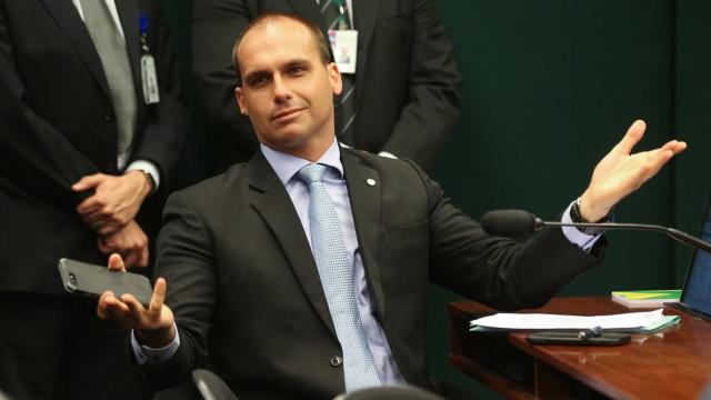 Reeleito, Eduardo Bolsonaro recebeu auxílio-mudança da Câmara