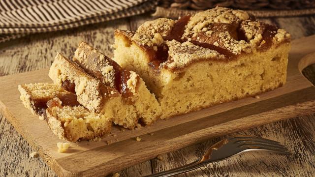 Aprenda uma deliciosa receita de bolo de banana com aveia e mel