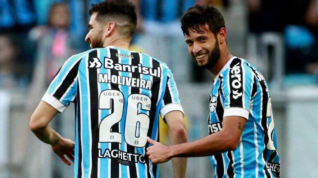 Grêmio bate Paraná por 2 a 0 com direito a gol de estreante