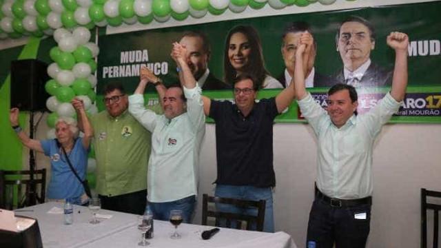 Candidato ao governo de PE é expulso de partido e está fora da disputa