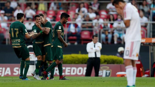São Paulo vacila, empata com o América-MG e pode perder a liderança