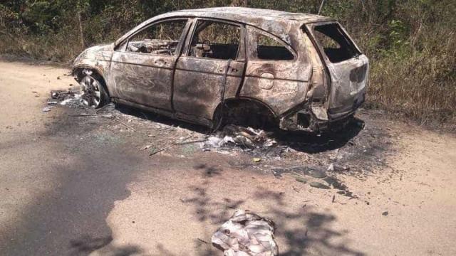 Carro de PM sequestrado no Rio é encontrado queimado