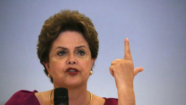 Comissão de Anistia adia votação de pedido de indenização de Dilma
