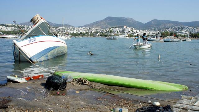 Vídeo: tsunami devasta ilha indonésia após terremoto de magnitude 7,5