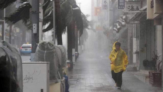 Sobe para 66 total de mortos por tufão no Japão