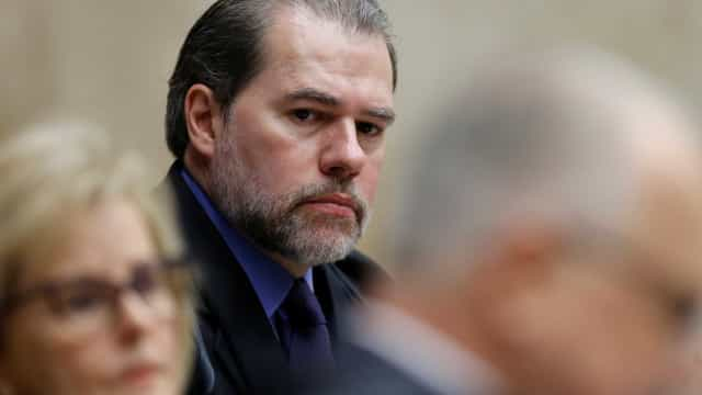 Procuradores reagem à decisão de Toffoli em suspender processos
