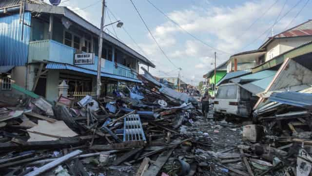 Após tsunami, 1200 fogem de prisões na Indonésia