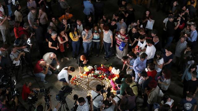 Família de Charles Aznavour cede e aceita funeral 'nacional'